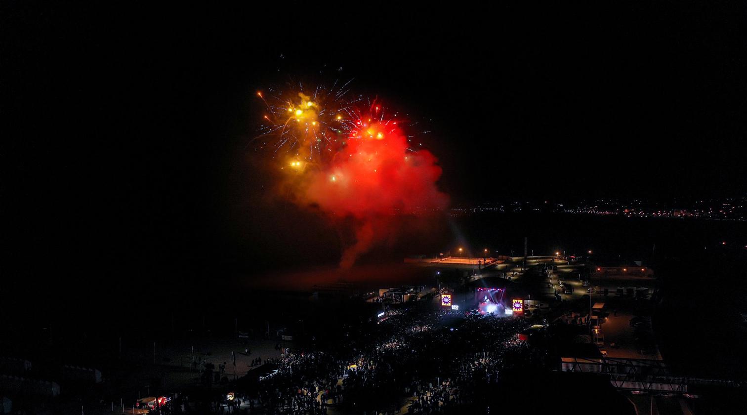 Réveillon-Verão-fogo-artifício